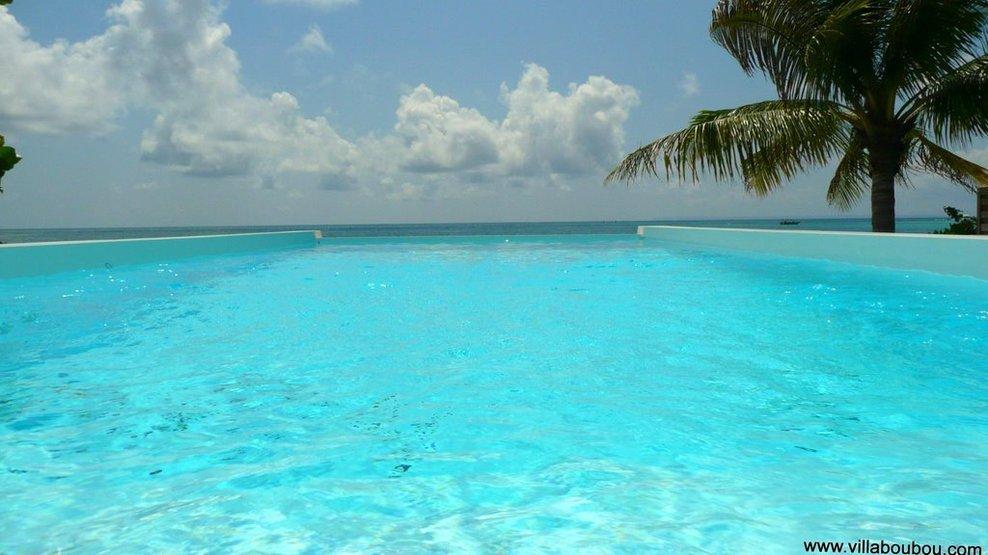 Pieds dans le lagon de guadeloupe location for Piscine vitry le francois