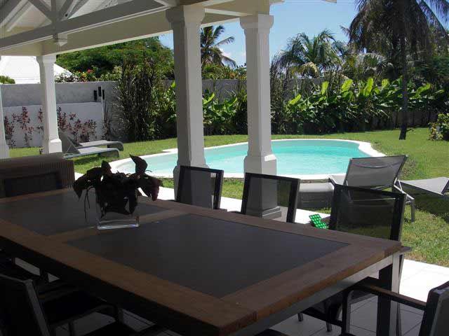 Villa luxe et de prestige carib guadeloupe location for Piscine miroir guadeloupe